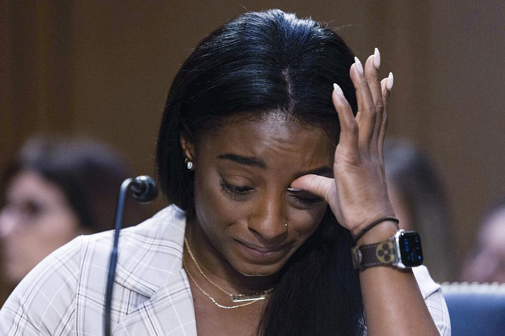 美国体操名将在国会哭诉被队医性侵 痛骂FBI